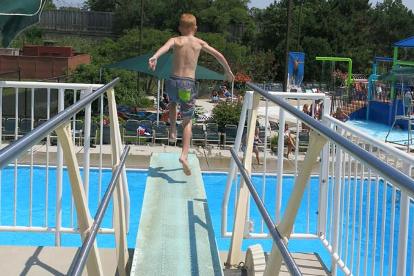 Lions Park Pool - Springboards